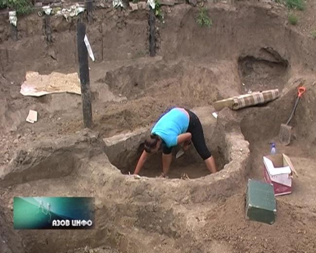 Азов - новости - археологи обнаружили останки 53 человек.